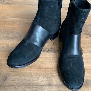 Shoes - Italian made black suede booties